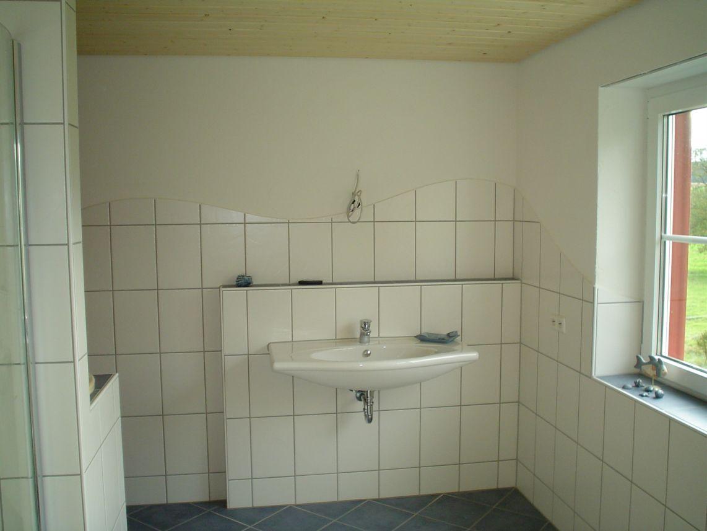 ... Badezimmer 2   Waschbecken Und Wand ...