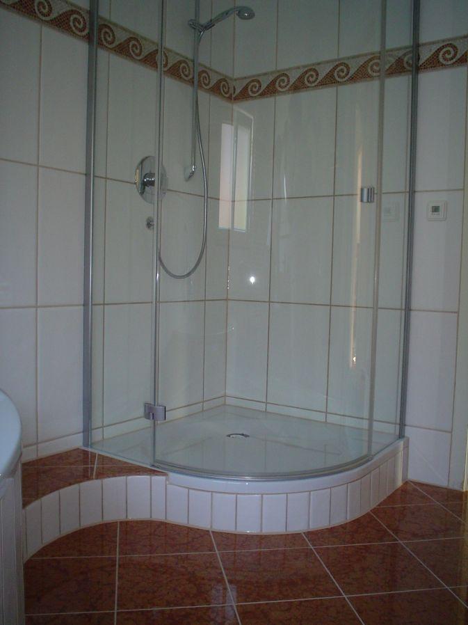 Dusche Mit Stufe beispielseite badezimmer fliesen schoenleber rudersberg